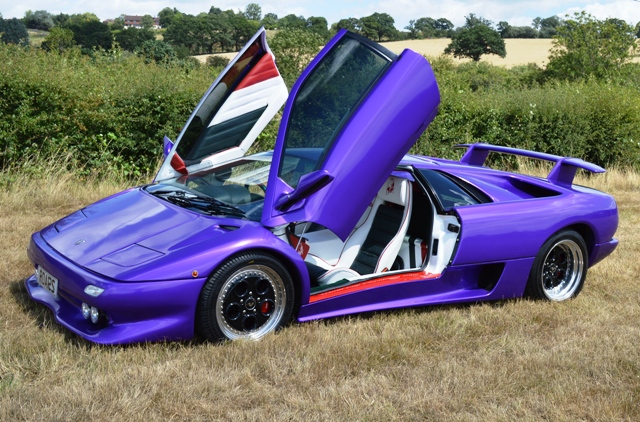 http://historics.co.uk/media/1139443/1993_lamborghini_diablo_vt_5.jpg