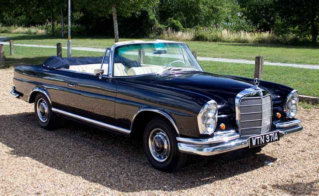 coming to auction from classic chatter 1964 mercedes benz 220 se cabriolet historics brooklands. Black Bedroom Furniture Sets. Home Design Ideas